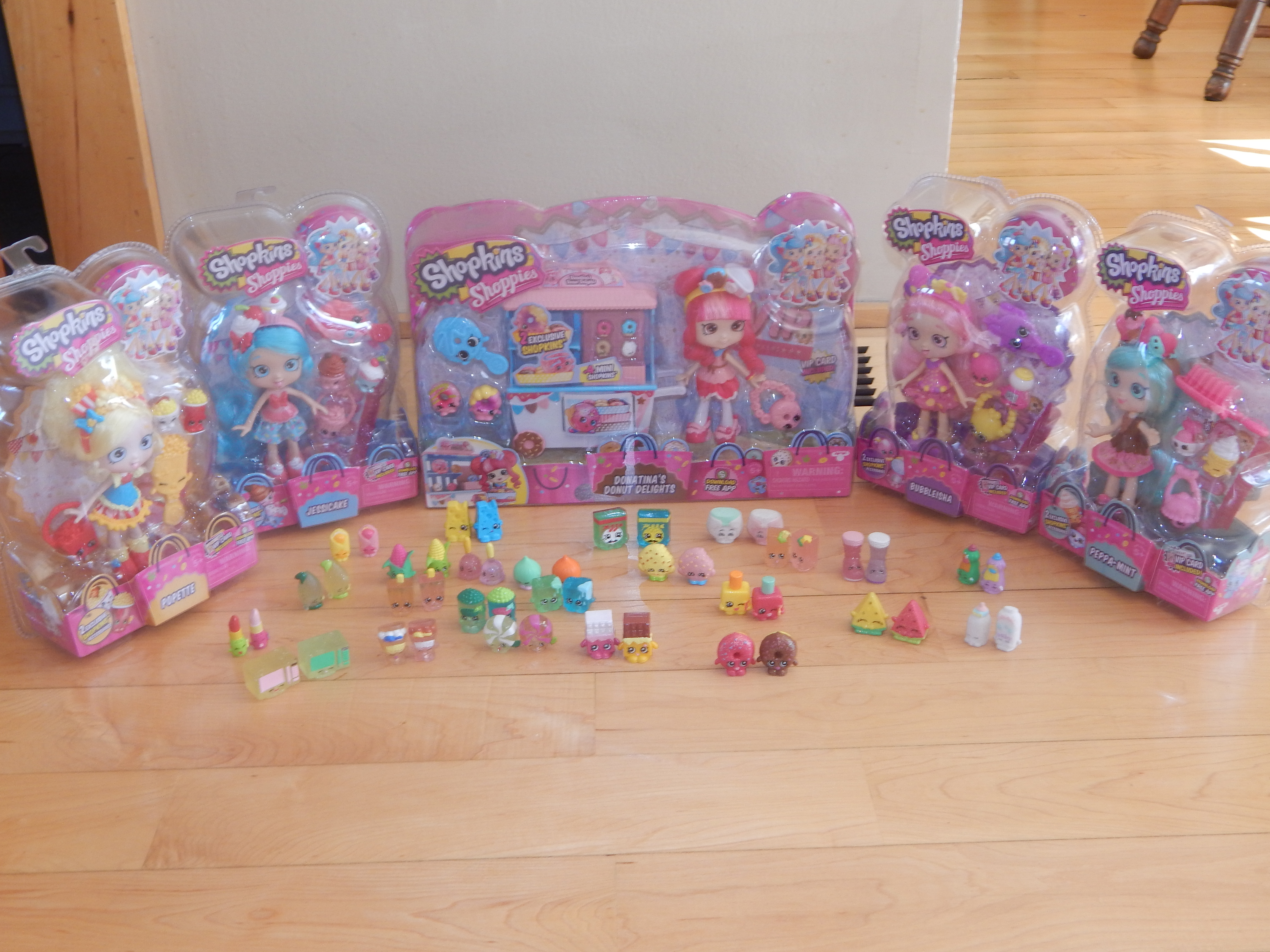 Shopkins shoppies dolls 5 in total